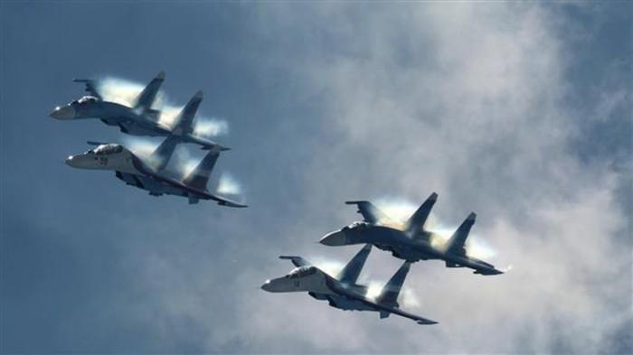 Pesawat Sukoi.jpg