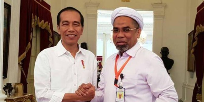Jokowi - Muchtar Ngabalin.jpg
