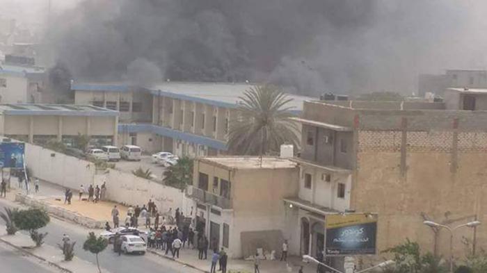 Serangan Bom Bunuh Diri di Kantor Pemilihan Libya.jpg