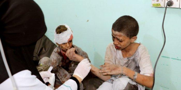 Bom terhadap Bis Anak Anak di Yaman