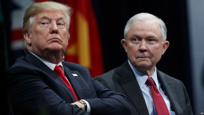 Presiden AS Donald Trump dan Jaksa Agung Jeff Sessions.jpg