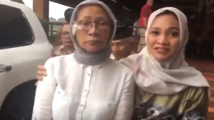 Ratna Sarumpaet - Hanum Rais