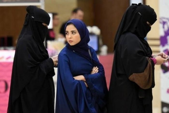 perempuan-tak-bercadar-kini-boleh-masuk-pengadilan-di-saudi-_171229141515-465